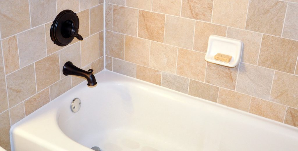 Гидроизоляция швов ванной